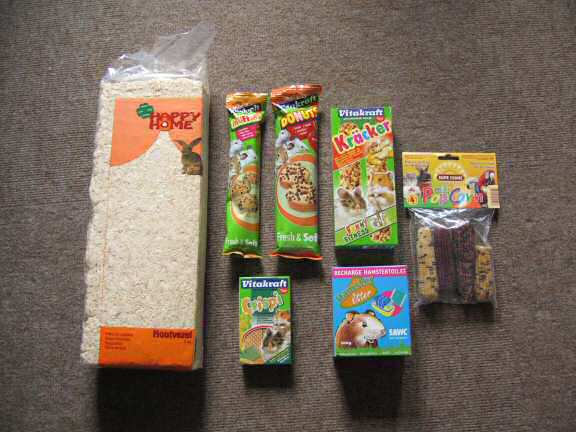 The stuff I bought at the Pet-Shop today.